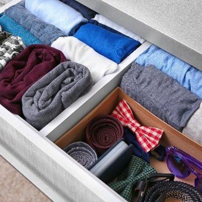 Zrovnané spodné prádlov šuplíku