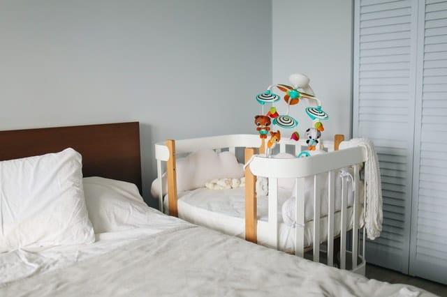 matrac-na-manzelskej-posteli-matrac-v-detske-postielke