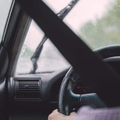 zahmlene-okna-na-aute